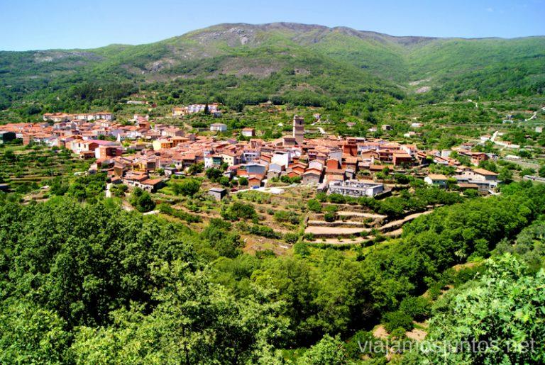 Las vistas de Garganta la Olla Ruta de mediodía al Monasterio de Yuste y pueblo-conjunto artístico Garganta la Olla, Extremadura