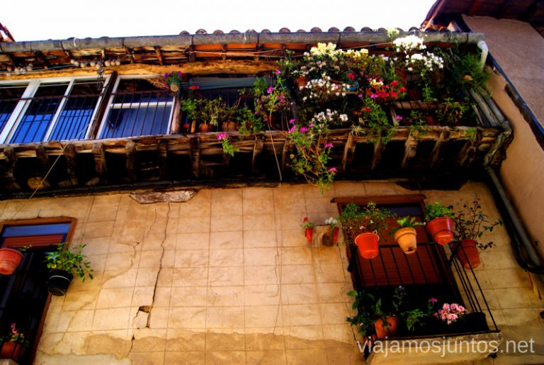 Balcones en flor ;) Ruta de mediodía al Monasterio de Yuste y pueblo-conjunto artístico Garganta la Olla, Extremadura