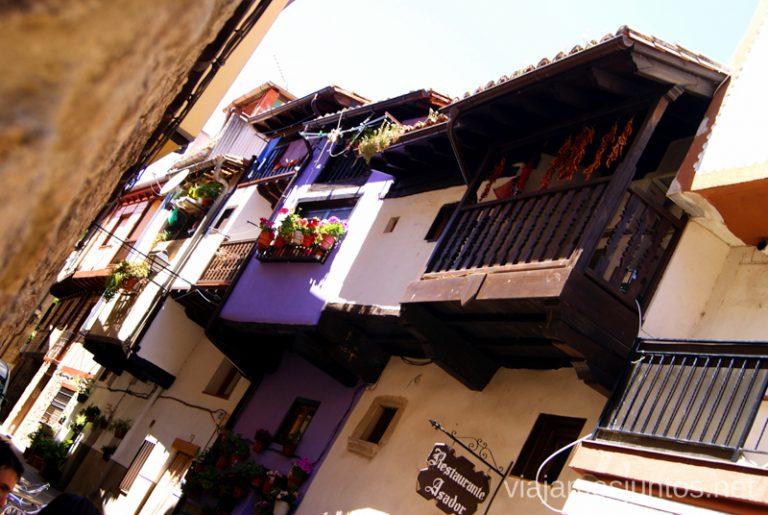 Los balcones de Garganta la Olla Ruta de mediodía al Monasterio de Yuste y pueblo-conjunto artístico Garganta la Olla, Extremadura