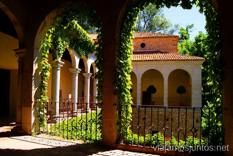 Desde los aposentos del Rey Ruta de mediodía al Monasterio de Yuste y pueblo-conjunto artístico Garganta la Olla, Extremadura