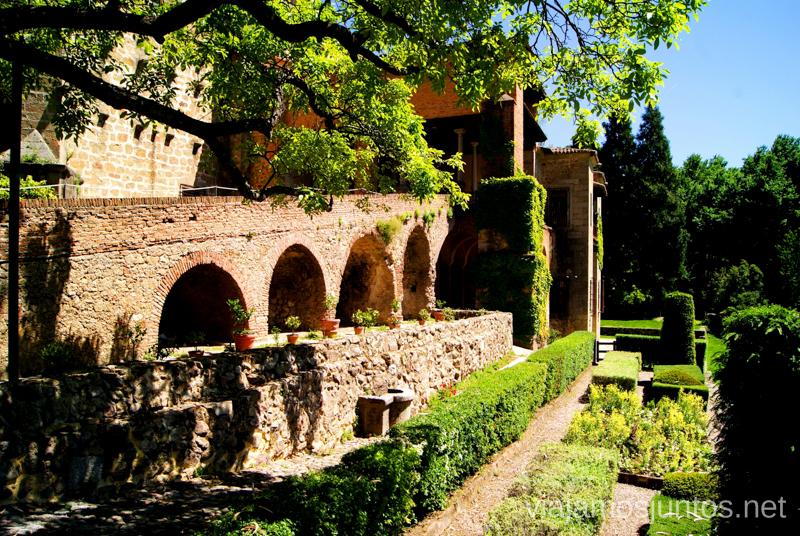 Palacio y la huerta Ruta de mediodía al Monasterio de Yuste y pueblo-conjunto artístico Garganta la Olla, Extremadura