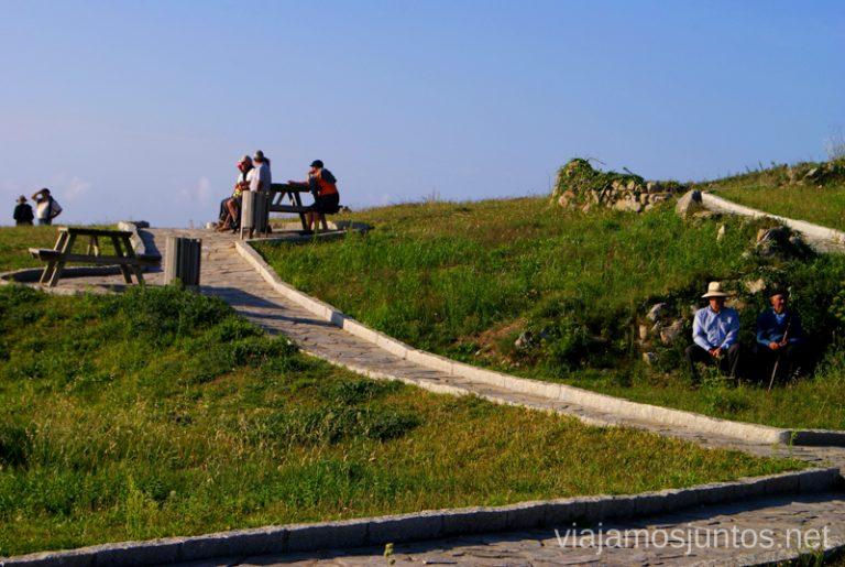 Abuelitos de la playa de Traba Mejores playas de la Costa da Morta, Galicia
