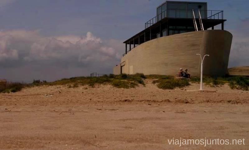El restaurante-barca de la playa Las playas Valencianas