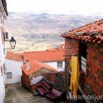 Vistas panorámicas desde las calles de Valdastillas Pueblos con encanto del Valle del Jerte