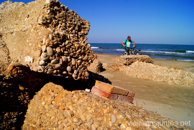 Un rincón único: ruinas en la playa Dos rutas en bicicleta en los alrededores de Oropesa del Mar, que hacer en Castellón, Valencia