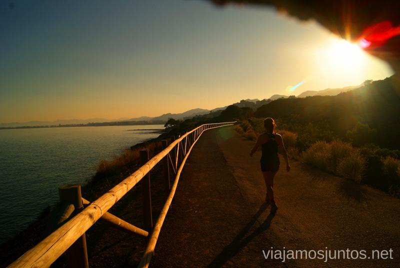 Benicàssime en el horizonte encendido Dos rutas en bicicleta en los alrededores de Oropesa del Mar, que hacer en Castellón, Valencia