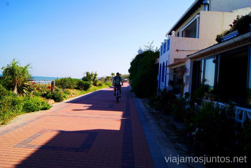 Calle central de Torrelasal Dos rutas en bicicleta en los alrededores de Oropesa del Mar, que hacer en Castellón, Valencia