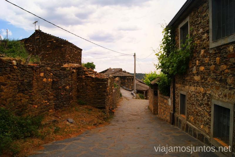 Las calles de Roblelacasa La historia de uno de los pueblos negros, Roblelacasa. Guadalajara