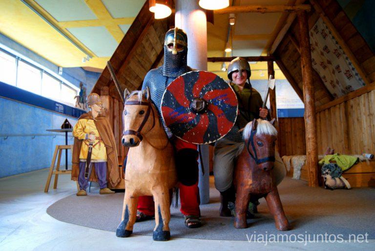 Qué lo paséis muy bien en Gamla Uppsala Gamla Uppsala, Uppland, Suecia.