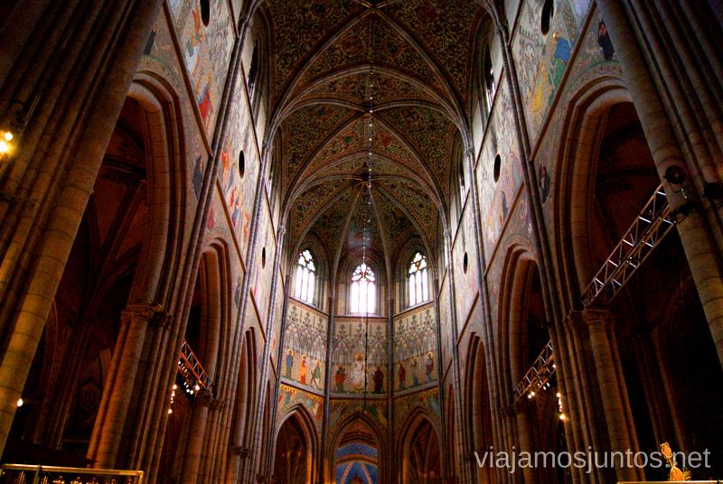 El interior de la Catedral de Uppsala Que ver y que hacer en Uppsala, Suecia. Atracciones turísticas. Visitas.