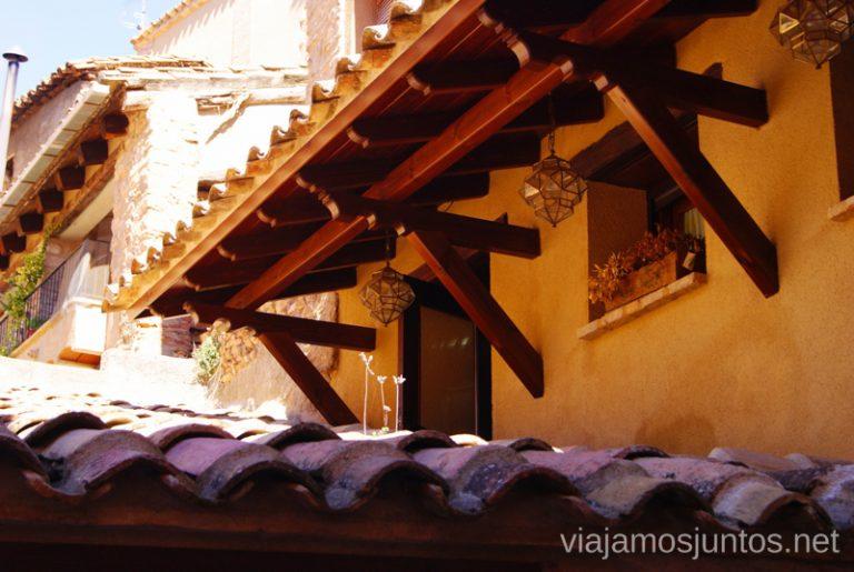 Tejados amontonados Que ver y que hacer en Alquezar, Huesca, Aragón.