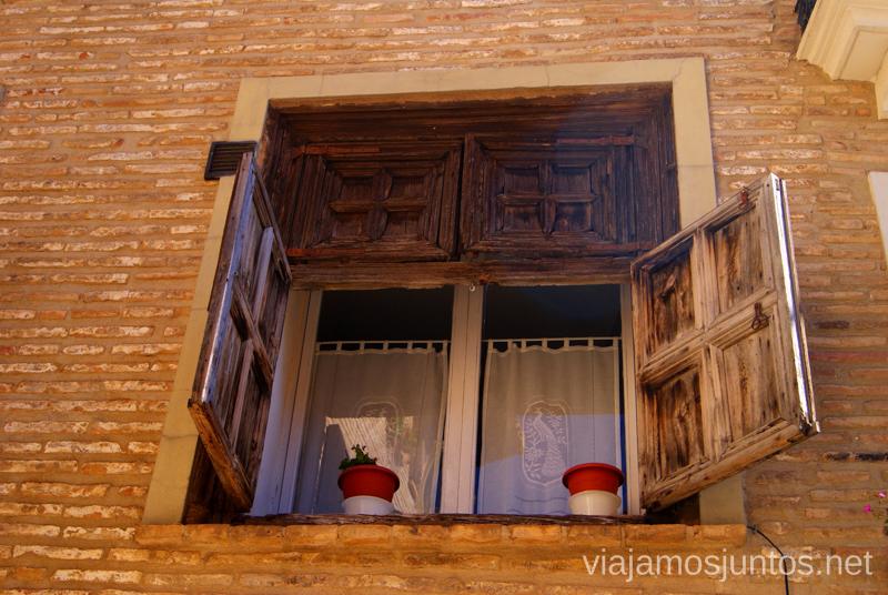 Ventanas amigables Que ver y que hacer en Alquezar, Huesca, Aragón.