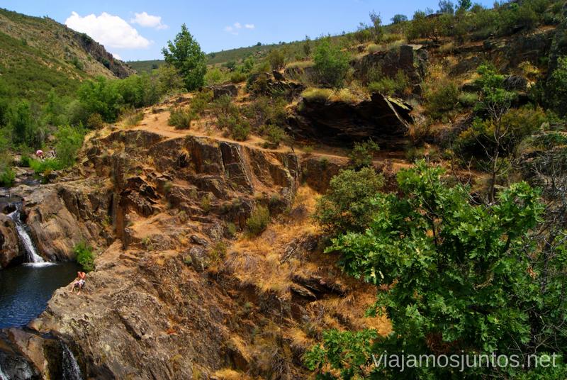 La pasarela de las pozas Ruta Circular Las Pozas del Aljibe. El Espinar. Pueblos Negros de Guadalajara