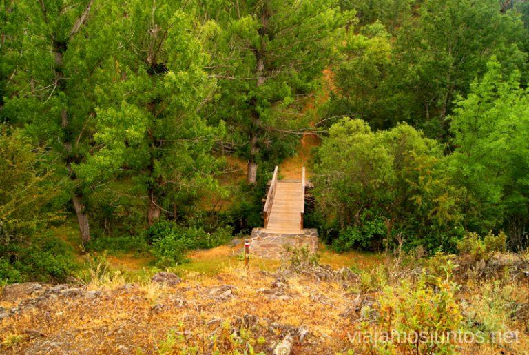 El puente Ruta Circular Las Pozas del Aljibe. El Espinar. Pueblos Negros de Guadalajara