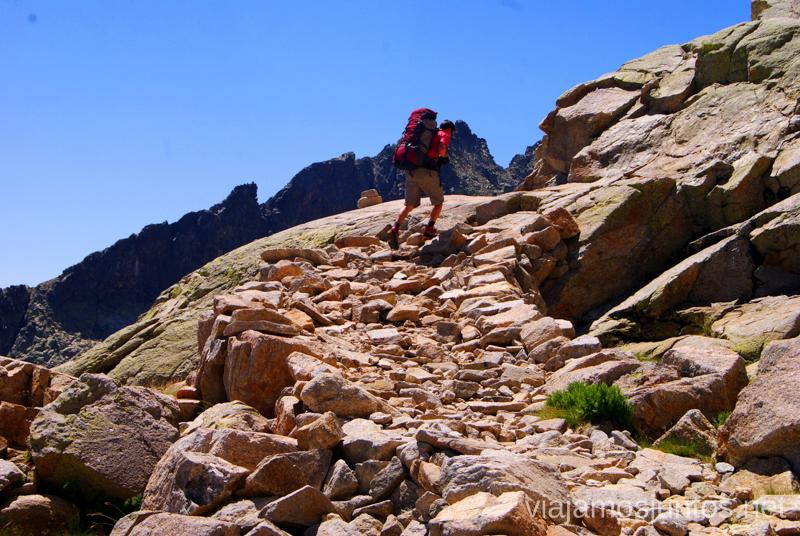 Un último esfuerzo... Trekking de 3 días por Gredos, Castilla y León, historias y anécdotas de la ruta