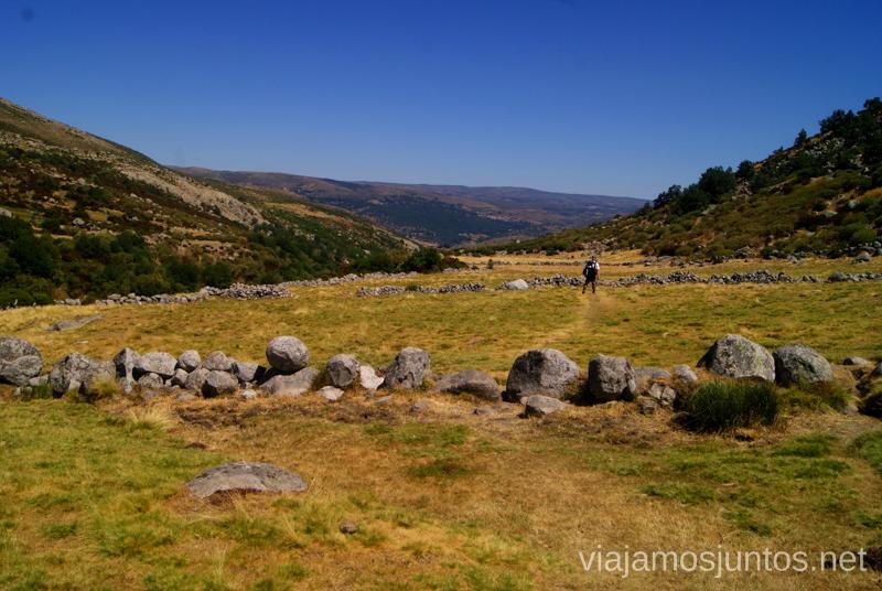 Y un largo camino ardiente por delante, bautizada La Senda Asesina... Trekking de 3 días por Gredos, Castilla y León, historias y anécdotas de la ruta