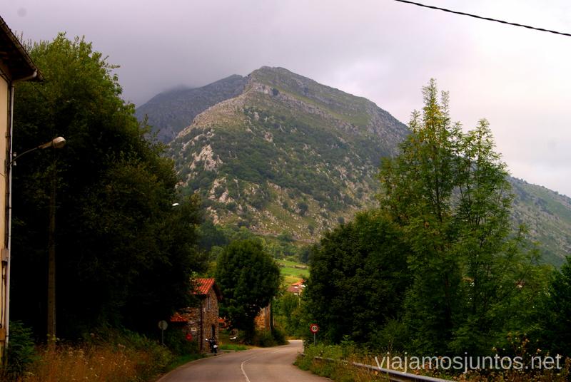 Carretera CA-261 Ruta circular en coche alrededor del Valle de Soba, Cantabria