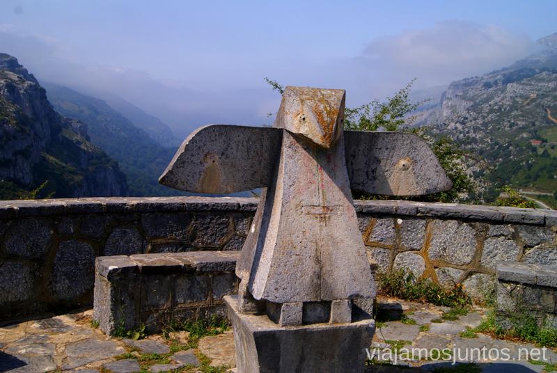 Mirador de los Collados del Asón Ruta circular en coche alrededor del Valle de Soba, Cantabria
