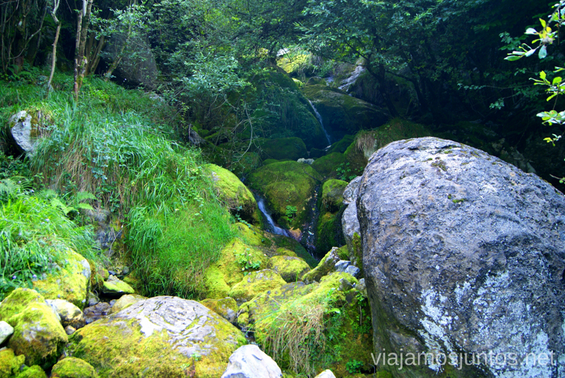 Ruta de la cascada del Asón Ruta circular en coche alrededor del Valle de Soba, Cantabria