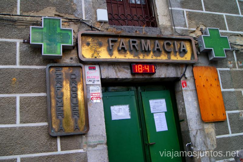 Farmacia en Ramales de la Victoria Ruta circular en coche alrededor del Valle de Soba, Cantabria