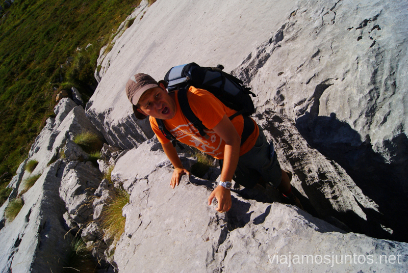 ¡Cuidado con grietas! Ruta circular Vuelta a Colina, Parque Natural de los Collados del Asón, Cantabria