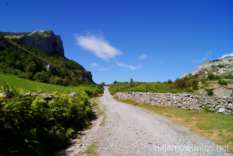 El camino a seguir Ruta circular Vuelta a Colina, Parque Natural de los Collados del Asón, Cantabria