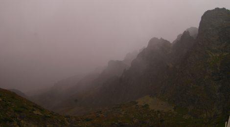 Y aquí está: la lluvia Preparación del trekking de dos días por Altos Tatras, Eslovaquia. High Tatras, Slovakia