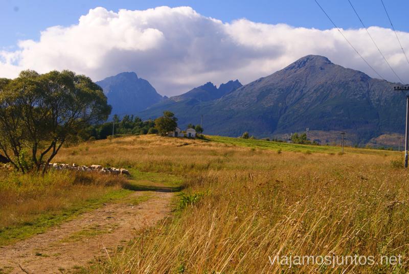 Vistas a Altos Tatras desde el pueblo de Nová Lesna Trekking en los Altos Tatras, Eslovaquia High Tatras, Slovaquia #EslovaquiaJuntos Información práctica