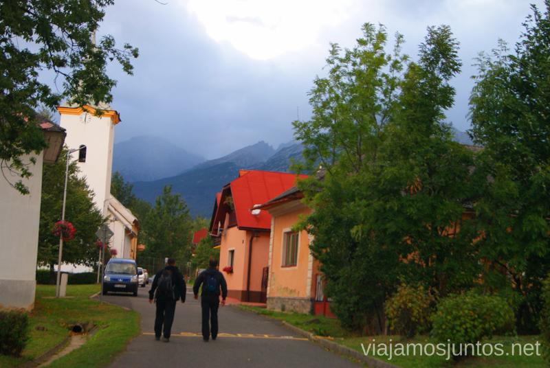 Nublado día... Preparación del trekking de dos días por Altos Tatras, Eslovaquia. High Tatras, Slovakia