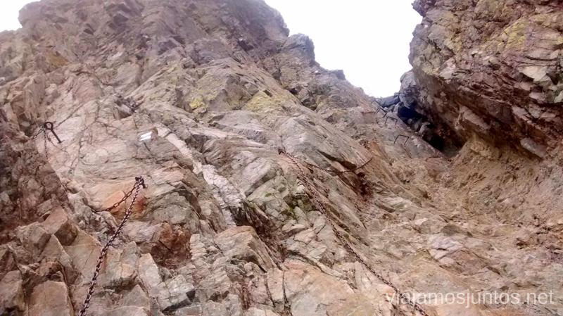 Sedlo Prielom, ferrata desde abajo Trekking en los Altos Tatras, Eslovaquia High Tatras, Slovaquia #EslovaquiaJuntos Parte III Diario