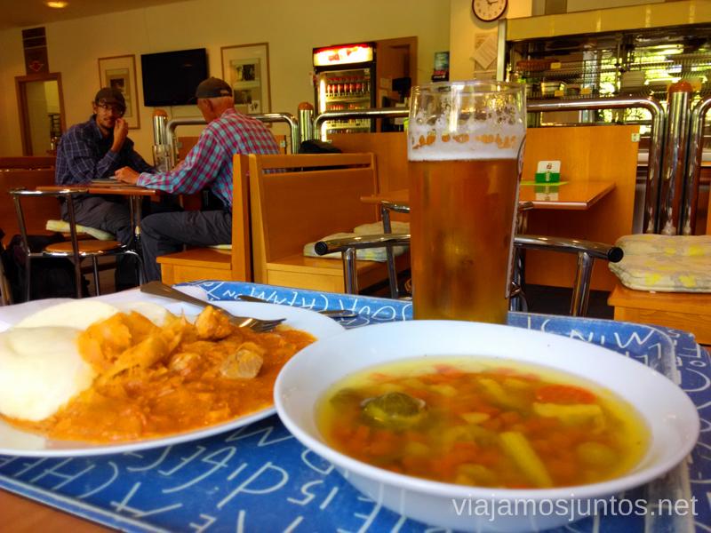 Comida de menú en el Buffet, Stary Smokovec Trekking en los Altos Tatras, Eslovaquia High Tatras, Slovaquia #EslovaquiaJuntos Información práctica