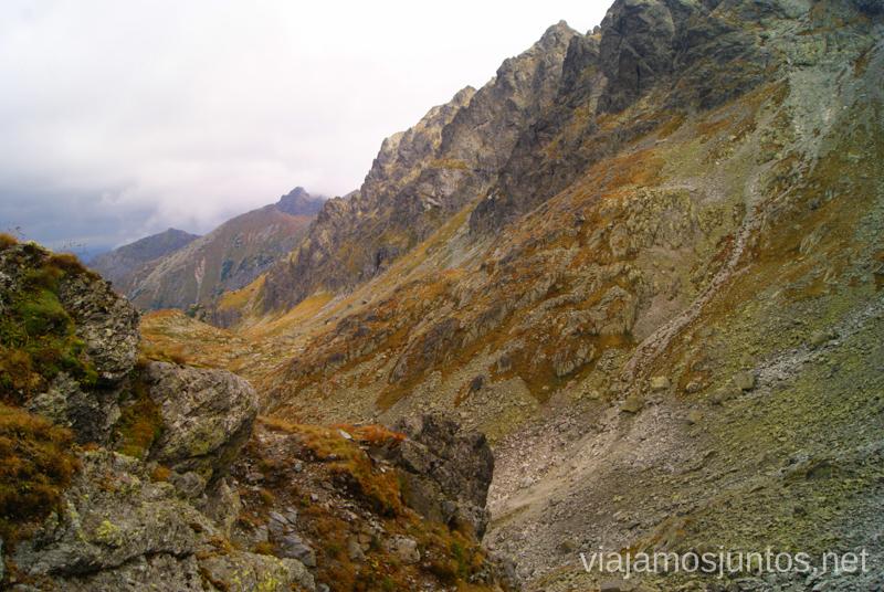 Camino hacia Dlhé Pleso Trekking en los Altos Tatras, Eslovaquia High Tatras, Slovaquia #EslovaquiaJuntos Parte III Diario