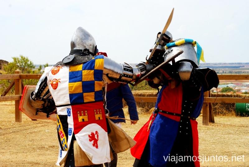 En pleno combate I Torneo Internacional de Combate Medieval en el Castillo de Belmonte, Cuenca, Castilla-La Mancha #DesafioBelmonte