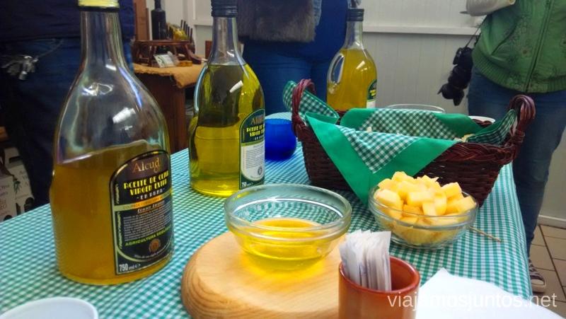 Degustación de aceites en Aceites Baos Un itinerario de un día por Almodóvar del Campo, Ciudad Real, Castilla-la Mancha Que ver y que hacer