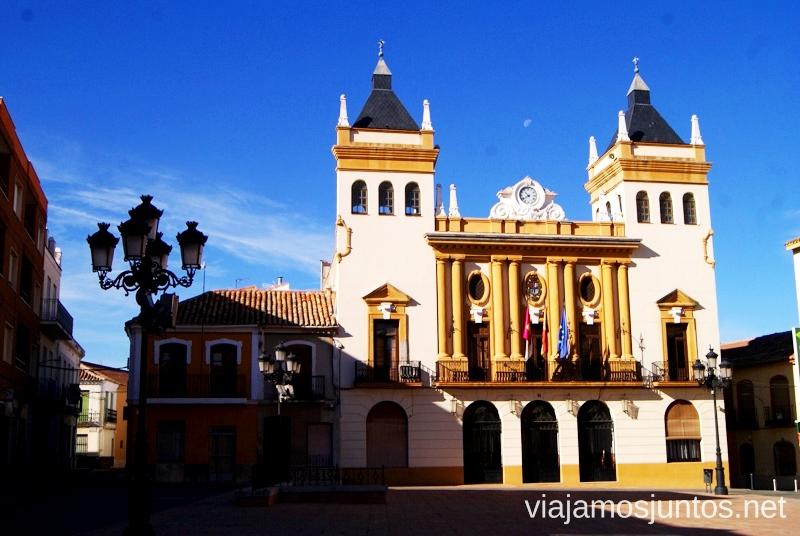 Ayuntamiento actual de Almodóvar Un itinerario de un día por Almodóvar del Campo, Ciudad Real, Castilla-la Mancha Que ver y que hacer