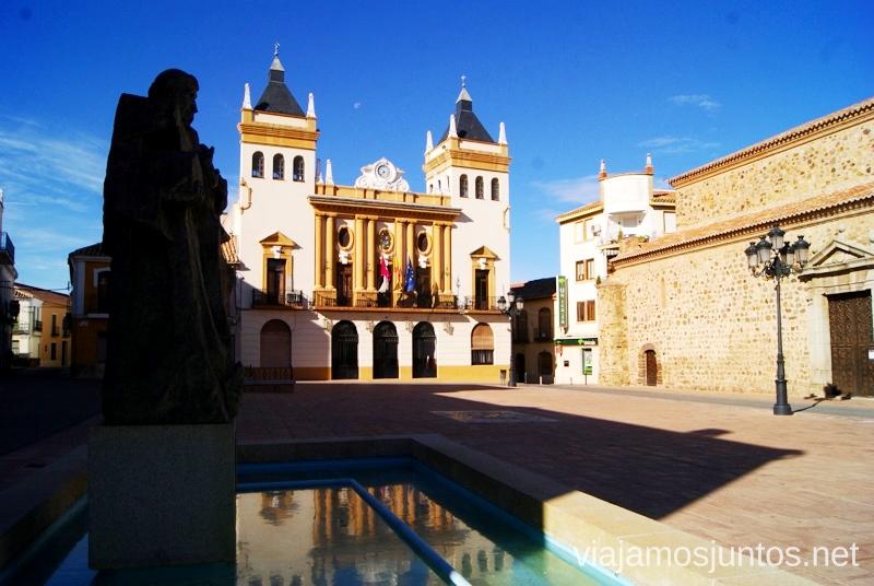 La Plaza Mayor Un itinerario de un día por Almodóvar del Campo, Ciudad Real, Castilla-la Mancha Que ver y que hacer