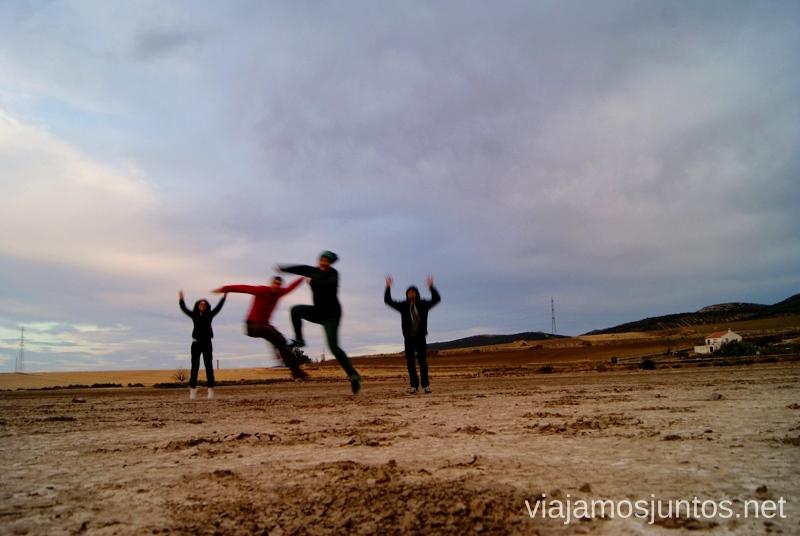 Un jump no pudo faltar en la Laguna volcánica de Almodóvar del Campo Un itinerario de un día por Almodóvar del Campo, Ciudad Real, Castilla-la Mancha Que ver y que hacer