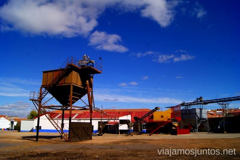 Visita guiada por la almazara Aceites Baos Un itinerario de un día por Almodóvar del Campo, Ciudad Real, Castilla-la Mancha Que ver y que hacer