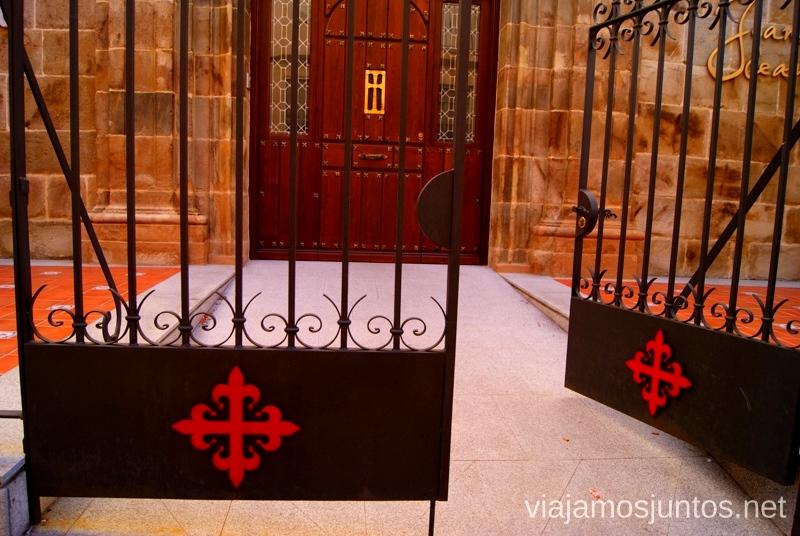 Archivo parroquial Un itinerario de un día por Almodóvar del Campo, Ciudad Real, Castilla-la Mancha Que ver y que hacer