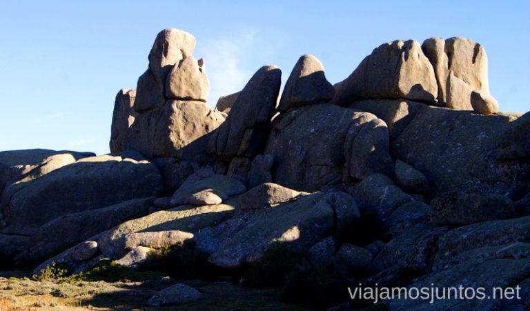 Hacía estas piedras vamos Ruta el Yelmo Manzanares el Real Madrid
