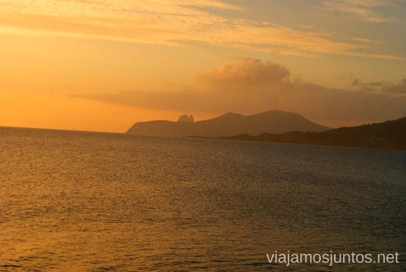 Atardecer en las Salinas sobre el mar Nuestros atardeceres favoritos de Ibiza Donde ver puesta de sol en la isla de Ibiza
