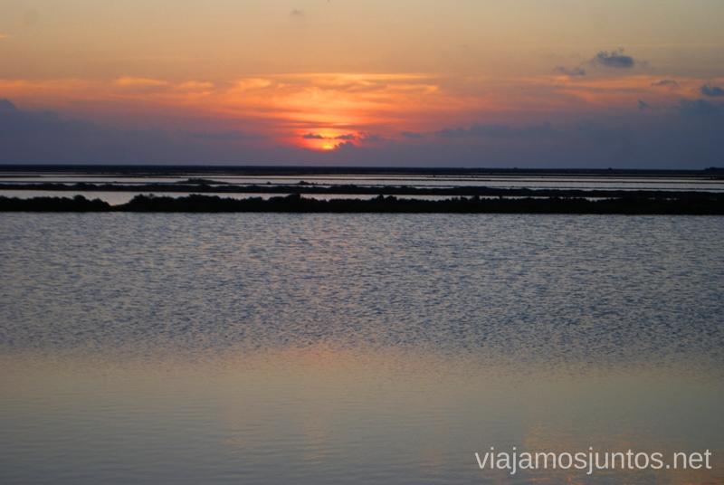 Las salinas de tiñen de atardecer Nuestros atardeceres favoritos de Ibiza Donde ver puesta de sol en la isla de Ibiza
