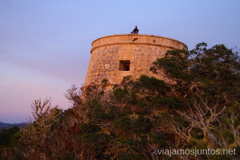 Atardecer desde la torre, literalmente Nuestros atardeceres favoritos de Ibiza Donde ver puesta de sol en la isla de Ibiza