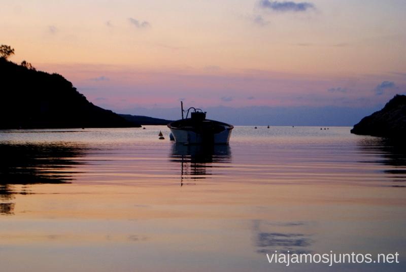 Puerto solitario de Portinatx Nuestros atardeceres favoritos de Ibiza Donde ver puesta de sol en la isla de Ibiza