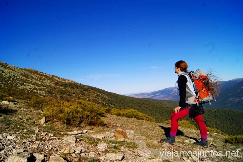 La apertura muy útil de la falda-plumas Caminatas de invierno. Cómo vestirse barato para rutas de invierno no tener frío.