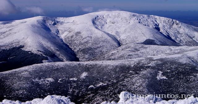 Paisajes nevados Caminatas de invierno. Cómo vestirse barato para rutas de invierno no tener frío.