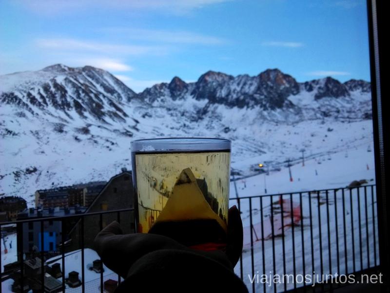 ¿Un té caliente con vistas al final del día? Esquiar en Grandvalira Andorra Información práctica, consejos, esquiar barato
