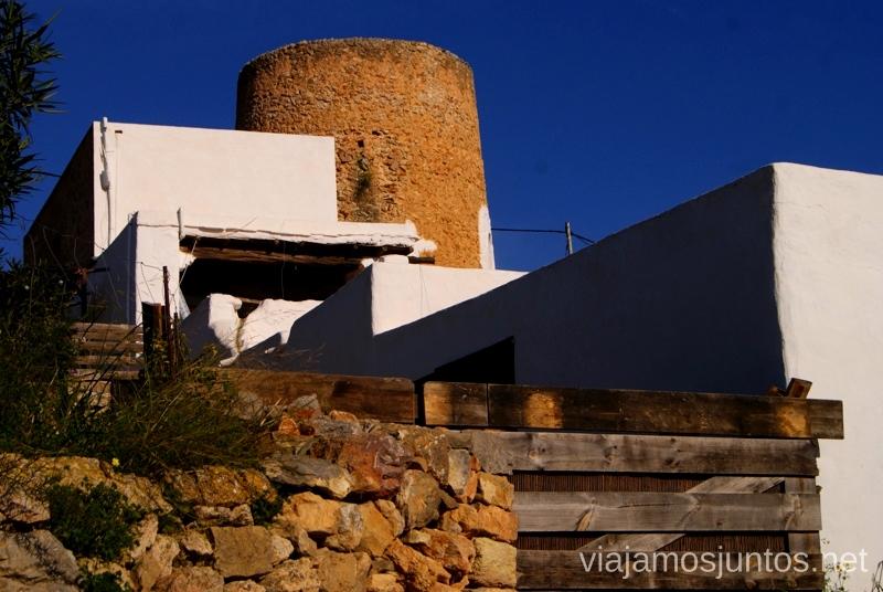 Casas típicas con torres defensivas Rincones curiosos de Ibiza. Que ver y que hacer en la isla. Baleares