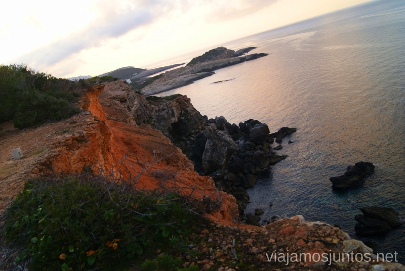 ¡No tengas miedo a los precipicios! Rutas de senderismo fáciles por la isla de Ibiza. Invierno o verano. Playa, montaña y calas secretas