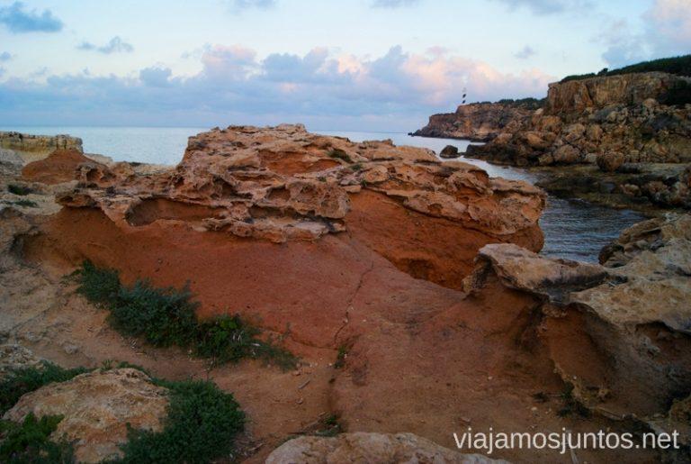 ¿Un paseo entre trampas? Rutas de senderismo fáciles por la isla de Ibiza. Invierno o verano. Playa, montaña y calas secretas